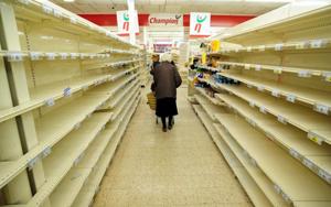 Crise économique - Rayons vides dans les supermarchés