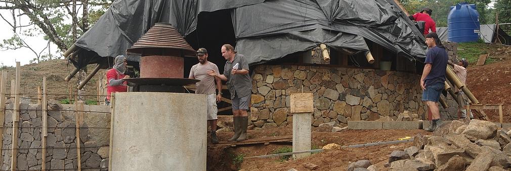 Costa Rica. Arquiloco revisite le concept de cheminée