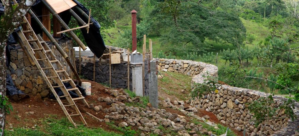 Costa Rica. Des pierres et des murs