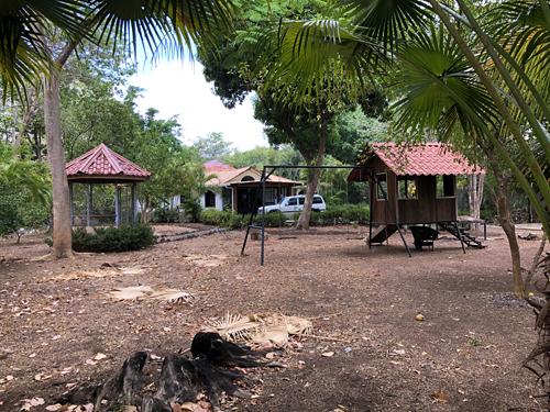 Costa Rica, Guanacaste, Tamarindo après la saison sèche - Vue 2