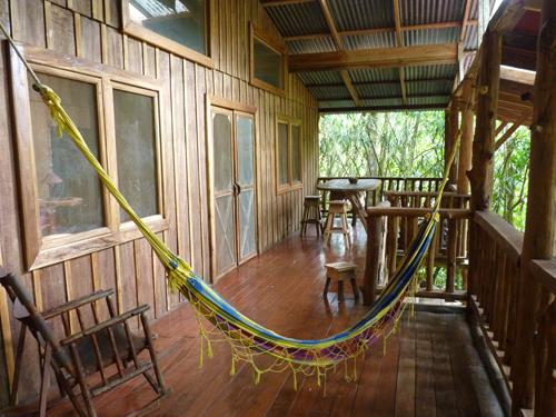 Terrasse, lodge rustique, volcan Tenorio, Rio Celeste, Costa Rica