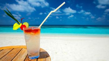 Cocktail sur la plage au Costa Rica