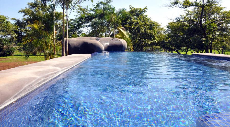 Costa rica immobilier villa j2 sans 3 villa neuve 2 ch for Villa piscine debordement