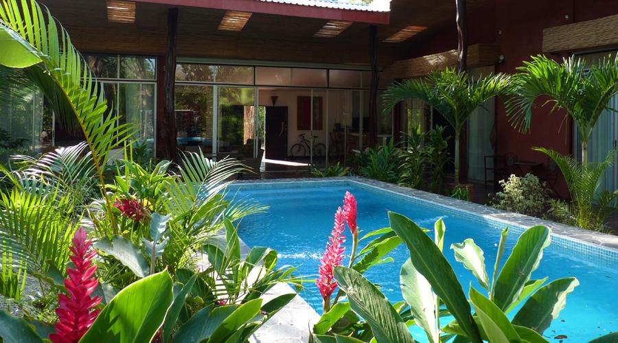 Costa rica immobilier villa ms2 charmante maison de plage secteur flaming - Maison en u avec piscine ...